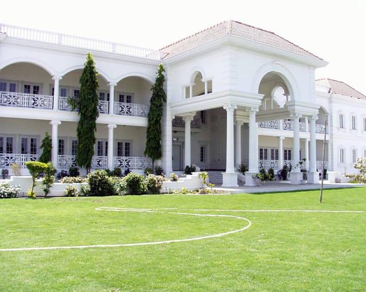 Houses Villas Bungalows Palaces In Pakistan